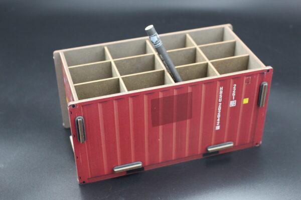 Oder doch in Rot? Das Stecksystem der Firma Werkhaus ist patentiert! Gefertigt aus MDF; somit auch passgenau.